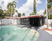 1022 Ne 34th Ct, Oakland Park image