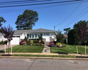 37 Mckinley  Avenue, Farmingdale image