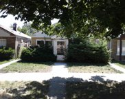 10215 South Oglesby Avenue, Chicago image