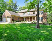 302 Weatherford Court, Lake Bluff image