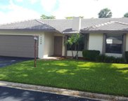 1520 Lakeview Cir, Coral Springs image