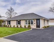 16 Silber Ave, Bethpage image