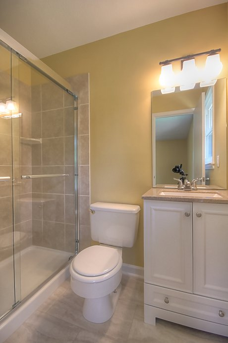 442 Quail Run - Master Bathroom