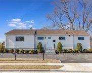 995 Old Country  Road, Plainview image